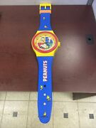 Vintage Peanuts United Features Syndicate Wall Big Watch Clock 36