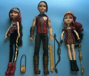 Ever After High Tri Castle On Hunter Cerise And Lizzie Dolls