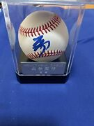 Shohei Ohtani Autograph Ball With Case With Commemorative Photo Card