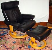 """Ekornes Stressless Black Paloma Leather """"taurus"""" Recliner And Ottoman Natural Wood"""