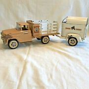 Vintage Tonka Toys/farms 35 Toy Truck And Covered Horse Trailer W/drop-down Ramp