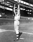 Cardinals Great Paul Daffy Dean In This Great 8x10 Photo