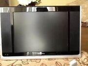 Insignia 15lcd Tv, Vga Input Includes Remote Control And Swivel Wall Mount
