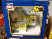 Model Power O Buildings Dr Andrew's House Built Up Lighted W' Figures 6373
