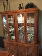 China Cabinet-hutchandnbspoak Wood Lighted. Excellent Condition