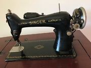 Great Condition Vintage 1920 Singer Sewing Machine In Cabinet