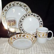 30 Pc Dinnerware Gold Holly Leaves Placemat Salad Dinner Plate Bowl Lot Tumbler