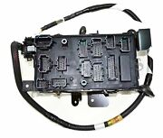 2c7z14a068aa Box Assembly - Fuse Oem Ford