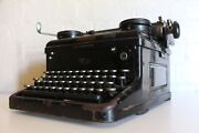 Antique Royal Typewriter - Excellent Working Condition - Full Working Order