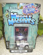 2003 Muscle Machines '33 Ford Coupe Black Widow Car And Trading Card