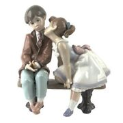 New In Box Lladro Ten And Growing 7635 Girl Kissing Boy Figurine 7.75 X 7