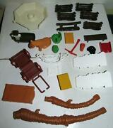 Weebles Playset And Other 26 Piece Parts Lot - Hasbro 1974, '-75