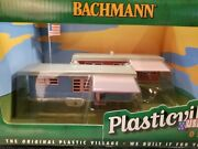 Plasticville Trailer Park With 2 Trailers And Flag Pole With Flag 45310 O Scale