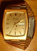 1975 Bulova Accutron Tonneau Tuning Fork Watch Large 20andmicrom Gold 40x32mm Case