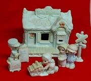 Precious Moments Sugar Town Train Station Lighted Building 6 Pc Collectors Set