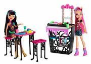 Monster High Creepteria W/ Cleo De Nile And Howleen Wolf Doll