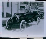 1963 Sir Harry Lauder Poses 1914 Ford Model T Press Photo