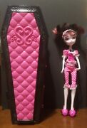 Monster High Dead Tired Draculaura Jewelry Box Coffin Bed Carrying Case And Doll
