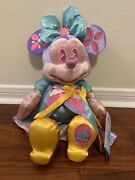 Minnie Mouse Main Attraction 4/12 Its A Small World Free Shipping In Hand