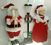 Vintage Rare Collectible Animated Mr And Mrs Claus And Light Post Lighted Motion