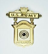Authentic 1970and039s/80and039s Us Army Distinguished Rifleman Gold Competition Badge