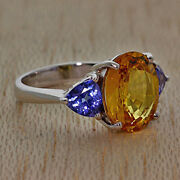 18carat White Gold 5.70ct Sapphire And Tanzanite Trilogy Ring Rrp Andpound4200 {jx7}