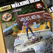 Super Rare The Walking Dead Michonne And Zombie Diorama On The Street