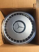 Nos Mercedes Benz Hubcaps Wheel Covers Mint Discontinued Rare