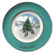 Avon 1978 Trimming The Tree Christmas Holiday Porcelain Enoch Wedgwood Plate