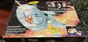 1994 Collector's Edition 003253 Starship Enterprise Ncc-1701-d By Playmates