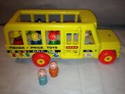 Fisher Price 1965 Vintage School Bus Pull Toy 192 W / 9 Little People Riders