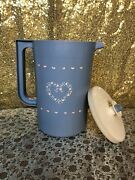 Vintage Tupperware Classic 2 Qt Blue Pitcher With White Lid Button Seal 1676-5