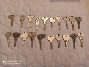 20 Old Car And Motorcycle Keys.