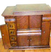 Antique Singer Sewing Machine 1900and039s In Tiger Oak Closed Cabinet W/ Treadleandnbsp
