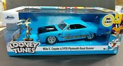 Looney Tunes 1970 Plymouth Road Runner W/ Wile Coyote Figure Jada Toys 124