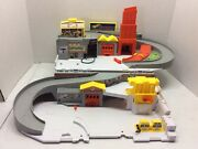 2015 Hot Wheels Car Wash And Service Station Fold And Carry Play Set Mattel Htf Guc