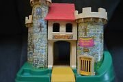 Vintage Fisher Price Little People 1974 Play Family Castle 993