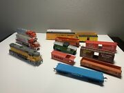 Model Power Santa Fe Diesel Locomotive And Union Pacific W Cars. Untested