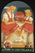 Coca-cola '95 10. Top-rounded Die-cut Mother And Daughter At Fountain Phone Card