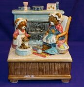 Otagiri Music Box Bears In Front Of Fireplace W/kitten Plays Home Sweet Home