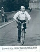 Photo Laurence Olivier Bike Great Escape Kidnapping Little Romance 7x9
