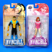 Mcfarlane Invincible Mark And Atom Eve Action Figure Set Clean/non Bloody