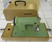 Pristine Sew Mistress Childs Sewing Machine Battery Or Hand Operated Case/box