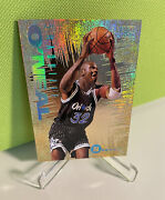 1994-95 Skybox Shaquille Oand039neal Emotion Gold Foil N-tense Insert 7 Of 10
