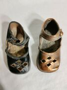🌟late 1800s Antique Pair Of Baby Shoes 1 Bronze 1 Natural Leather Nails In Sole
