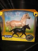 Breyer New 2021 Traditional 1840 Cloud's Encore And Tor Mustang Gift Set Nrfb