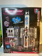 Monster High Doll House Deadluxe High School Playset Haunted Deluxe