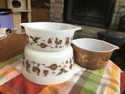 Vintage Pyrex Americana, 2 Casserole Dishes, No Lids 474, 472, Small Is Sold