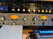 2 Universal Audio 710 Twin-finity Microphone Preamps