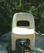 Step 2 Childs Cream Criss Cross Sturdy Plastic Chair For Table/playhouse/kitchen
